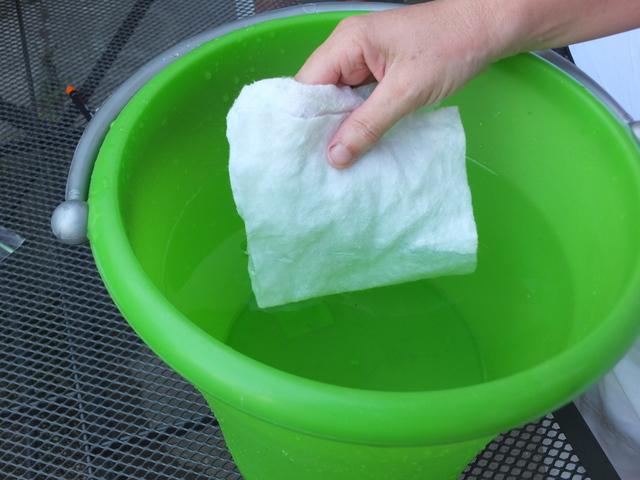 Si bagna il tessuto